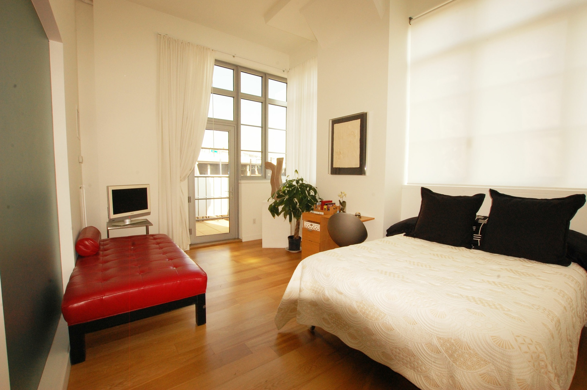1400 sf true 2 bed 2 bath with private outdoor spaces - Long island city 3 bedroom apartments ...